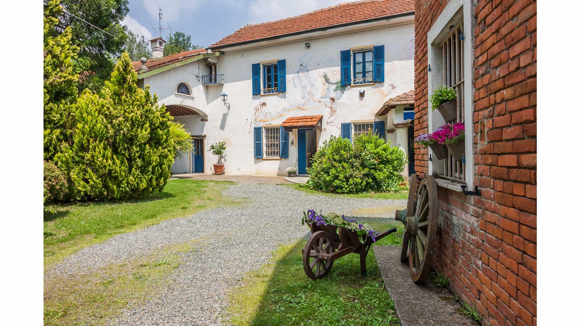 Casale L'Angelo Azzurro a Cassine (AL).