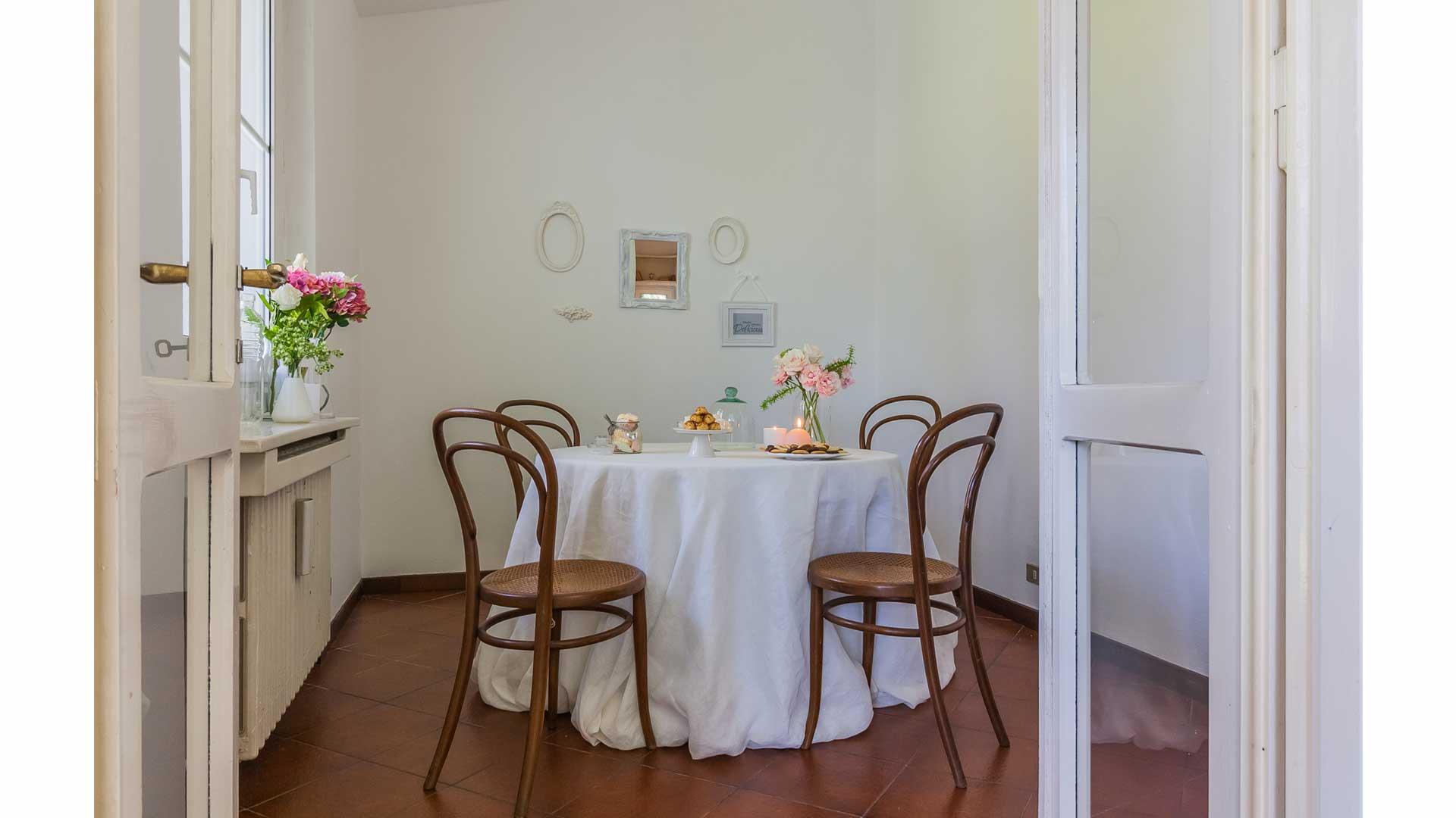 I prima e i dopo: casa abitata. 02. Villa Parisien Style a Carimate (CO).